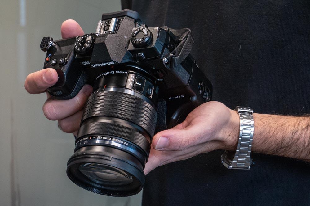 La cámara Olympus E-M1X